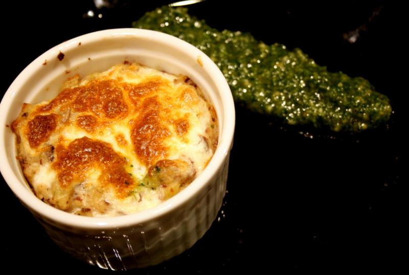 Petatou ist ein provençalischer Kartoffelauflauf mit Oliven und ...